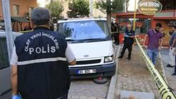 Adana'da hastane otoparkında silahlı saldırıya uğrayan baba ile oğlu yaralandı
