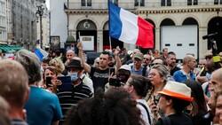 Fransa'da korona ile mücadele yasası onaylandı