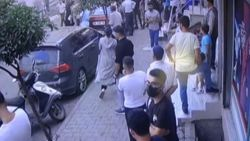 Sultangazi'de korsan taksi durağını ateşe verildi