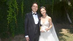 Düğünde gelenlere şeker yerine kitap verdiler