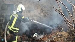 Manisa'da bir kişi bahçede yemek pişirmek isterken evi yaktı