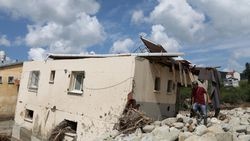 Sinop'ta sel nedeniyle 40 ev yıkıldı
