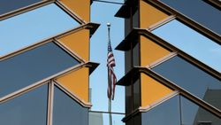 ABD, Kabil büyükelçiliğini tahliye etmeye başladı