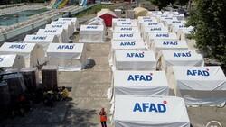 Sel felaketinde evini kaybedenler çadır kentte konaklıyor