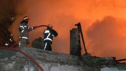 Bursa'da yanan 2 katlı metruk bina çöktü
