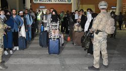 Afganistan'daki Türk vatandaşlar tahliye edildi