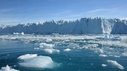 Gröland'daki buzulların tepesine ilk defa yağmur yağdı