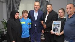 Süleyman Soylu, Emirhan Yalçın ve Ali Yasin Ülger'in ailelerini ziyaret etti