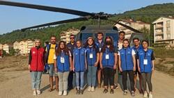 Süleyman Soylu selde gönüllü çalışan gençleri helikoptere bindirdi