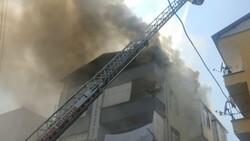 Kocaeli'deki binanın çatı katında yangın çıktı
