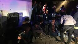 Van'da kaçak göçmenleri taşıyan minibüs devrildi: 9 yaralı