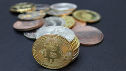 Ukrayna Bitcoin'i finansal varlık olarak yasallaştırdı