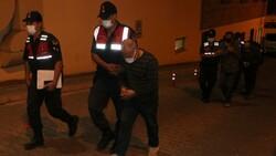 Kayseri'de çevirmeye takılan otomobilde Yahudi Tevrat'ı bulundu