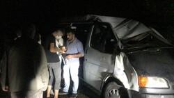 Samsun'da işçileri taşıyan minibüs devrildi: 13 yaralı