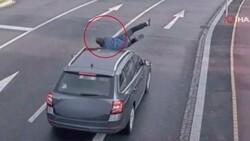Çekya 'da aniden aracın önüne atlayan şahıs, kalkıp yoluna devam etti