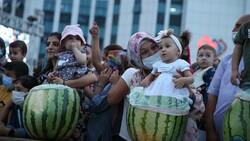 Diyarbakır'da karpuz festivalinin birincisi: 45 kilo 500 gram