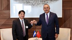 Mevlüt Çavuşoğlu ABD'de mevkidaşları ile görüştü