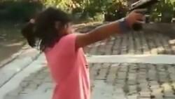 Rize'de yeğenine tabanca veren amca vurulmaktan son anda kurtuldu