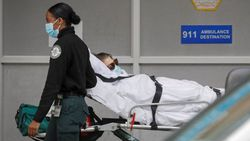 ABD'de Kovid-19 nedeniyle ölenlerin sayısı 687 bin 752 oldu