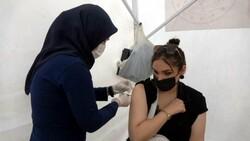 Siirt'te sağlık çalışanları vatandaşları aşı olmaya ikna ediyor