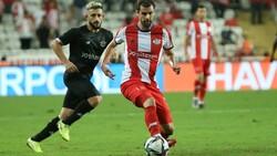 Adana Demirspor deplasmanda Antalyaspor'u 1-2 yendi