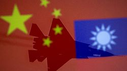 Çin, 38 savaş uçağıyla Tayvan hava sahasını ihlal etti