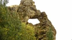 Hakkari Yüksekova'da düşünen maymun figürlü kayalık görüntülendi