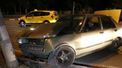 Adana'da polisten kaçarken kaza yapan kişinin aracında uyuşturucu bulundu