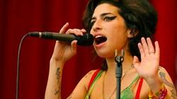 Amy Winehouse'un eşyaları açık artırmaya çıkarılıyor