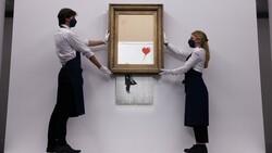 Banksy'nin parçalanan eseri, 18.5 milyon sterline satıldı