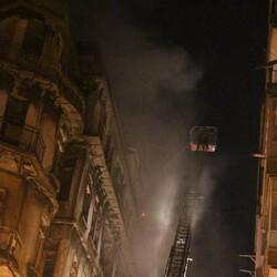 Şişli'de kullanılmayan 3 binanın çatısı yandı