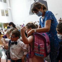 Almanya'da okullar açılmaya başladı