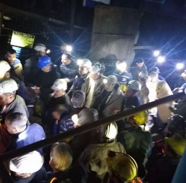 Manisa Valisi Soma'da yaralı işçileri ziyaret etti