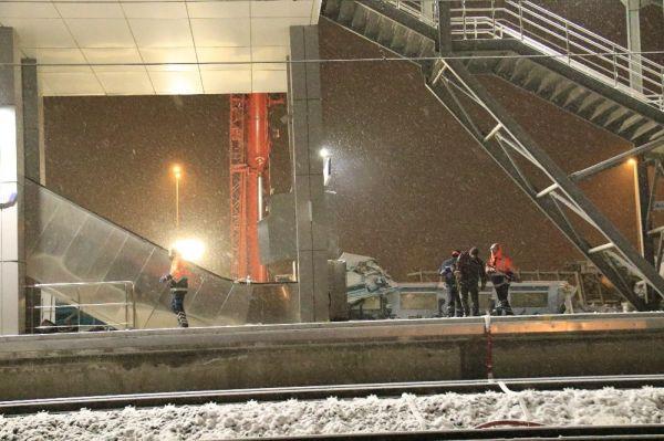 Tren kazasında enkaz kaldırma çalışması devam etti