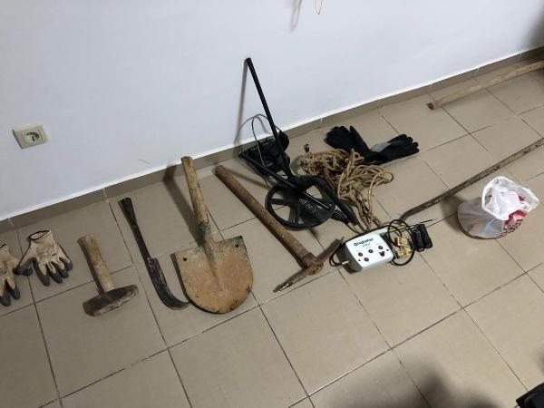 Datça'da kaçak kazı yapanlara suçüstü