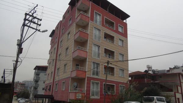 5. kattaki evlerinden düşen Nizamettin öldü
