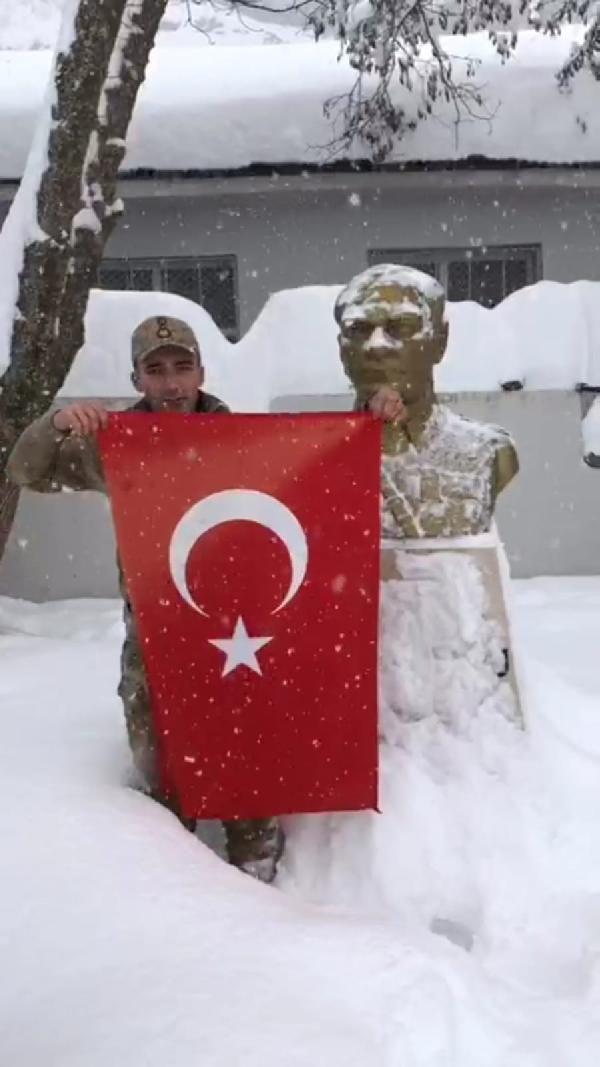 Mehmetçik'in Atatürk sevgisi