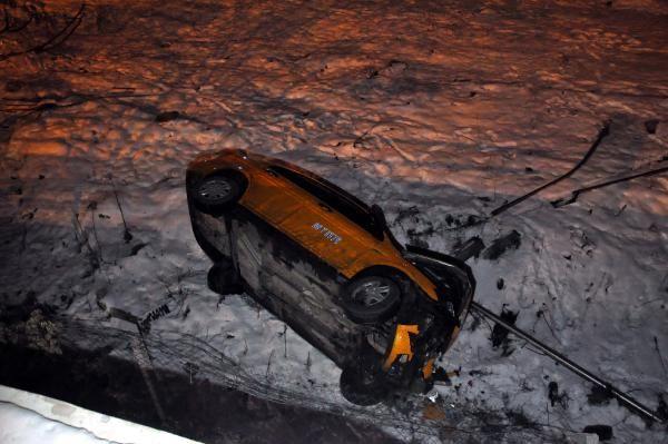 Ankara'da taksi köprüden uçtu