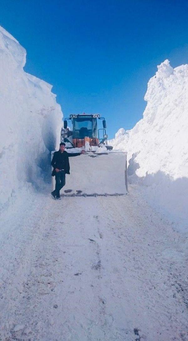 Van'da kar kalınlığının 3 metreyi aştığı bölgede çalışma