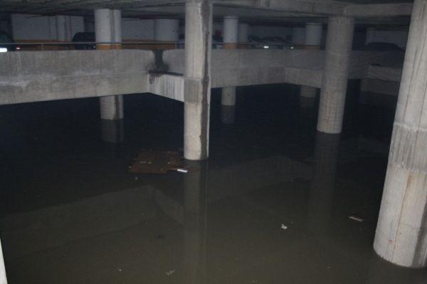 İzmir Şehirlerarası Otobüs Terminali sular altında kaldı