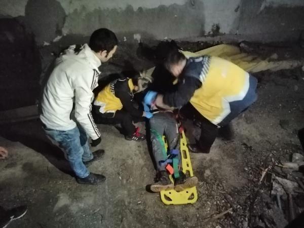 İnşaatın ikinci katından düşen genç ağır yaralandı