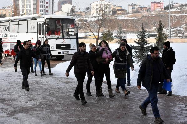 Sivas'ta fuhuş operasyonu: 5 kişiye gözaltı
