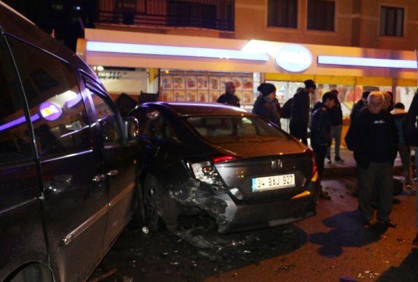 Trafik faciasını park edilmiş araçlar önledi