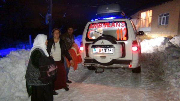 Yüksekova'da hamile kadın için seferber olundu
