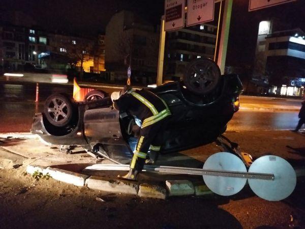 Denizli'de otomobil 150 metre sürüklenip takla attı
