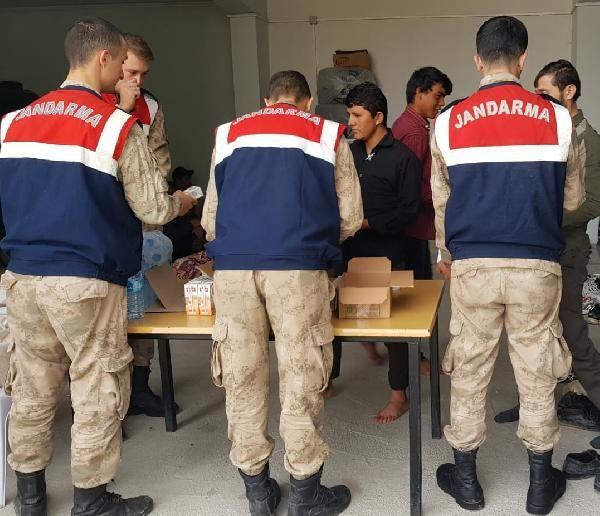 Minibüste32 kaçak göçmen yakalandı