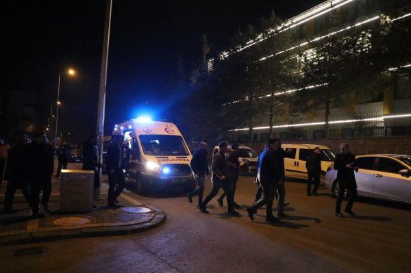 Devriye gezen polis ekiplerine silahlı saldırı