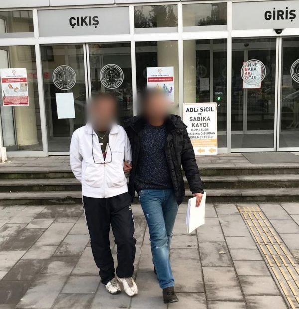 2 yıl hapisle aranan hırsızlık zanlısı polisten kaçamadı