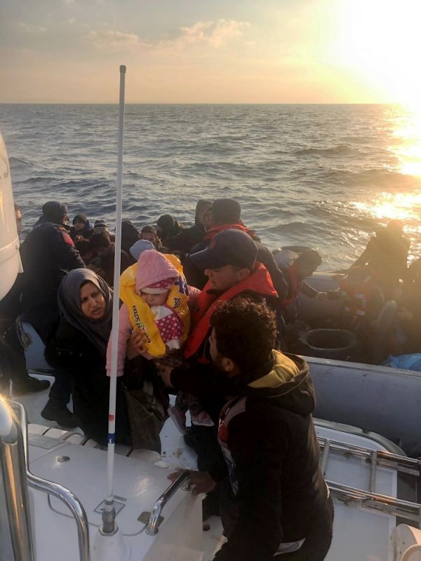 Didim açıklarında 86 düzensiz göçmen yakalandı