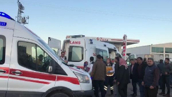 Otomobil, motosiklete çarptı:2 kişi ağır yaralandı